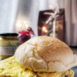 Pane e panelle 2.0 con maionese alla curcuma