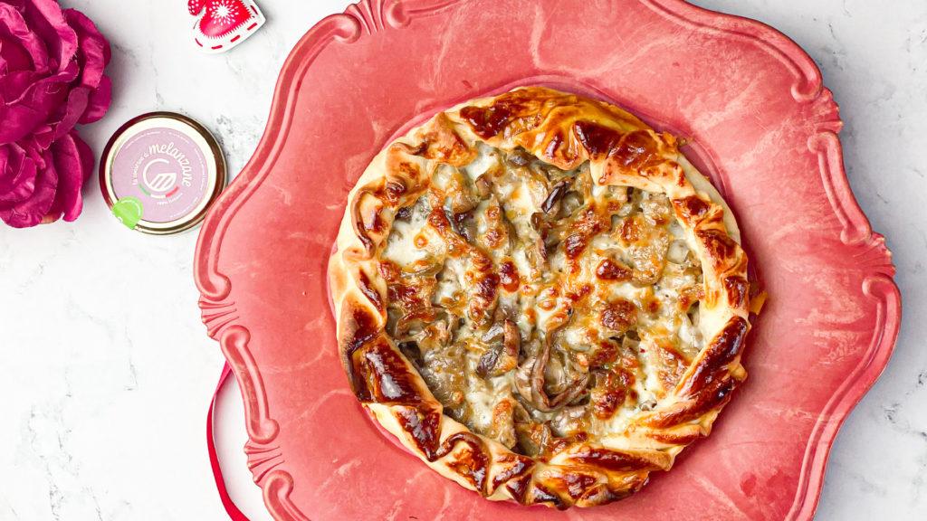 Pizza rustica con melanzane e mozzarella