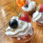 Muffins ai mirtilli e fragoline di bosco